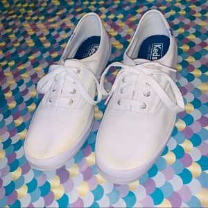 Keds Classic White Lace Up Sneakers Size 8.5